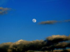 clouds and moon by Mittelfranke