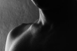 collarbone 4 by evelynzee
