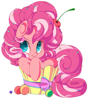 Pinkie Cupcake Pie by QueenAshi