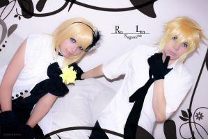 Len and Rin Camellia Version -02 by DamianNada
