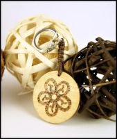 Keychain B knotted with phyrography decoration by SuniMam