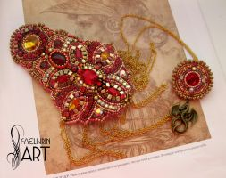 Gryffindor: Epaulette and brooch by Callista1981