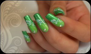 manzana nails by Tartofraises