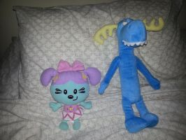 Daizy and Lumpy plushes together by dev-catscratch
