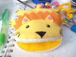 Cute little lion purse by prismtwine