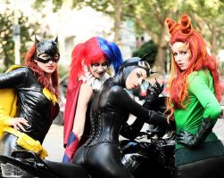 Gotham Sirens - Roadtrip by blackfantastix
