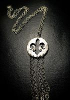 Industrial Fleur with Chain by syprina