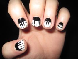 Piano Nail Art by IndigoVelvet