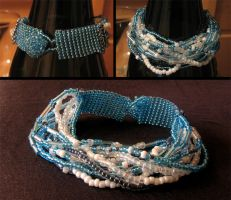 Beads in blue by Astukee
