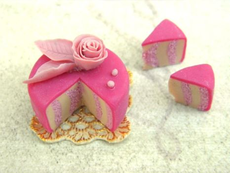 Miniature Rose Cake in Pink by vesssper