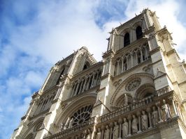 Notre Dame by psychoviolinist1012