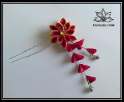 A touch of Red + Gold Kanzashi by Kanzashi-Hime