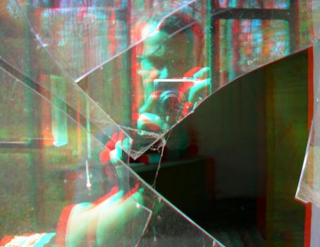 Shattered 3D Anaglyph by yellowishhaze