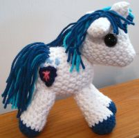 Shining Armor with Cutie Mark - My Little Pony by kaerfel