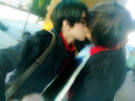 Ereri Cosplay Gunblades Kiss by HasuHero
