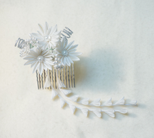 Festive Winter Snowflakes Kanzashi 288 by japanesesilkflowers