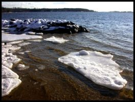 Ice On The Beach II by sillylittleidiot
