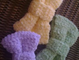 Crocheted plush bows by jely-claris-anne