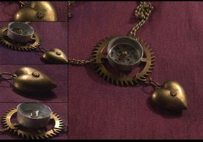 Compass and Heart Necklace by hrekkjavakaastarkort