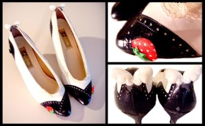 Sweet Lolita Ichigo Shoes by deconstructedstars