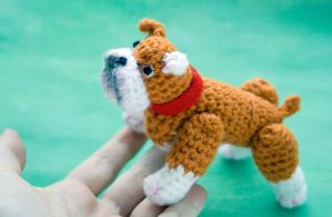 Amigurumi bulldog toy by tinyAlchemy