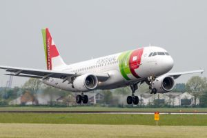 TAP Portugal Airbus A320-214 by SliverFoxNL