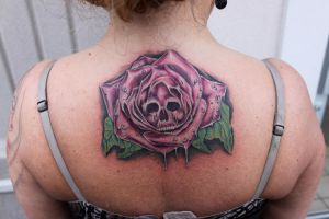 skull and rose tattoo by danktat