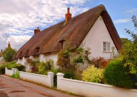Thatched Cottage Avebury by Paul-Gulliver