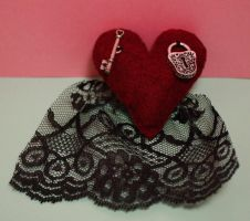 Red Lace Heart KeyLock by bluepaws21