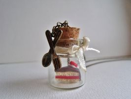 Cake in a jar necklace by curry-brocoli