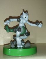 Pokemon Mewtwo Sculpture by fulongwu