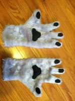 Hand paws by Nodnarb123