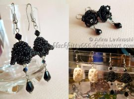 Flower beaded earrings by la-chatte-noire