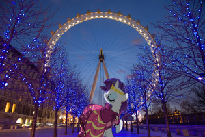 Rarity in London by ZoruaAWESOME