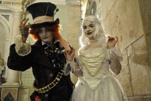 The White Queen and her Hatter by mamiche88