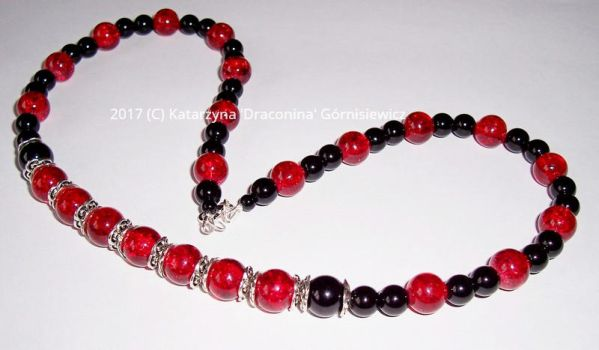 7 red balls necklace by Fabrykanina