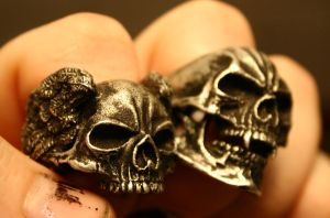 Winged Skullring and Vampire by SimonSaysBaka