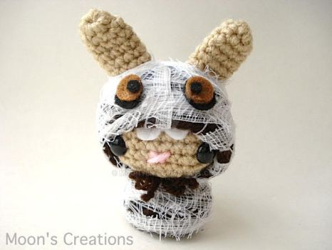 Mummy Moon Bun by MoonYen