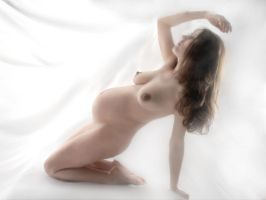 1061-AM Nude Woman Pregnant Beauty by artonline