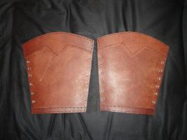 Leather bracers by Arnakhat