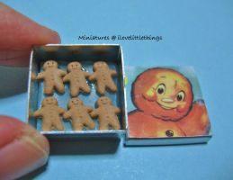 Miniature Gingerbread Men by ilovelittlethings