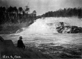Shawinigan chutes - 4 nov. 1900 by J-Bellemare