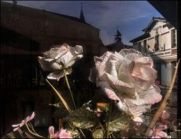 Artificial flowers in Robinson by SUDOR