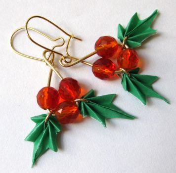 Holly-Day Earrings in Gold by pandacub143