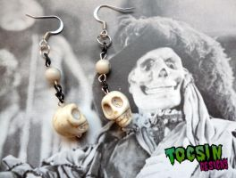 SKULL  EARRINGS by TocsinDesigns