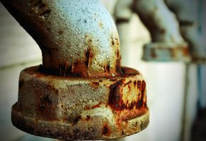 Rusted Pipe End/Nut by PAlisauskas