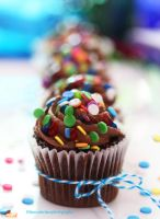 Mini Chocolate Cupcakes by theresahelmer