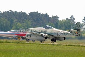 HA-200 and Me 262 by gurkenhals