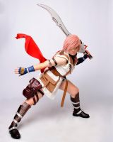 Lightning Farron cosplay by Lightninglouise