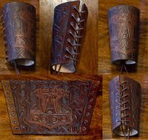 Hammer Bracer Mjoelnir revised by Wodenswolf